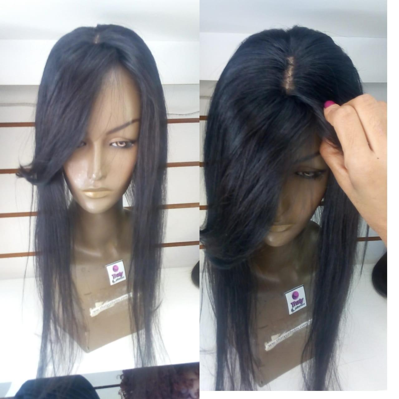 Prótese com micro pele( imitação de couro cabeludo no centro da prótese) 60 cm 70 gramas levemente ondulada molde 12x12