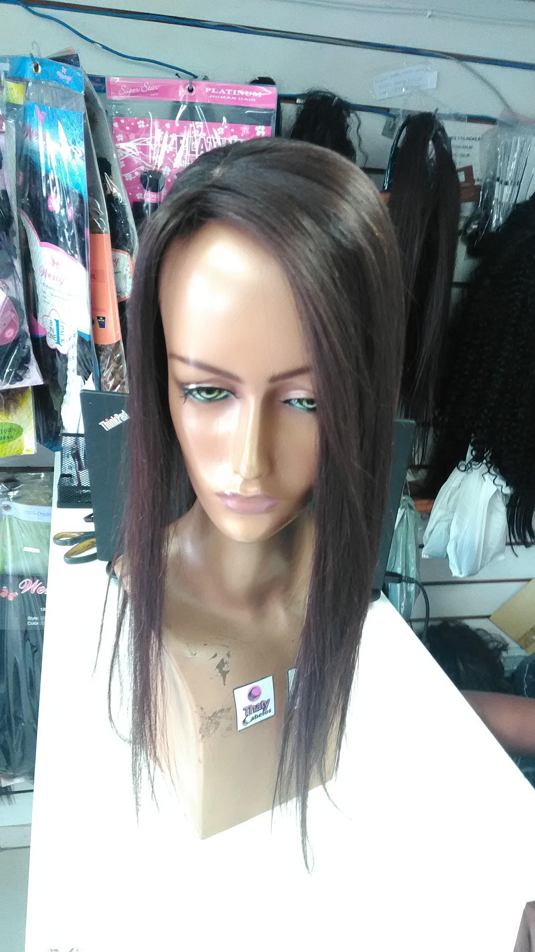Prótese reta com imitação de couro cabeludo lado lateral lado direito-Preto