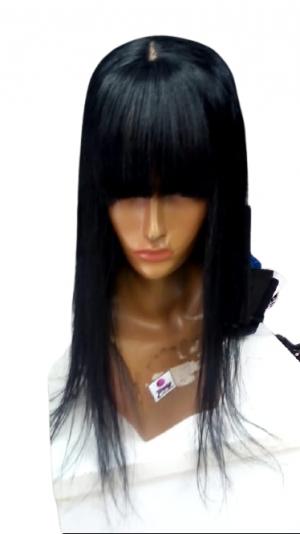 Prótese capilar Master com imitação do couro cabeludo tamanho 50 cm molde 14x14 franjinha 100 grs